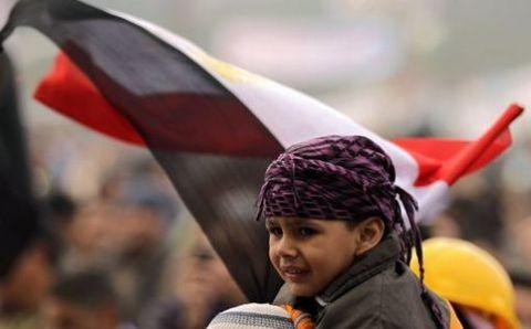 egitto-manifestanti-bloccano-dipendenti-pubblici-a-piazza-tahrir-11