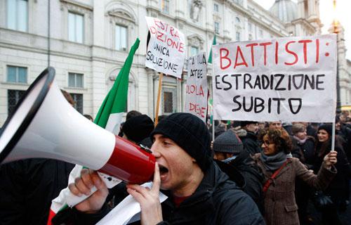 Italie-Manifestation-Battisti
